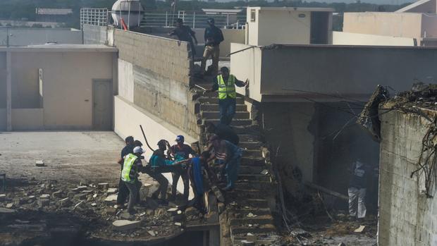 Al menos 13 muertos tras estrellarse avión con 107 pasajeros en Pakistán