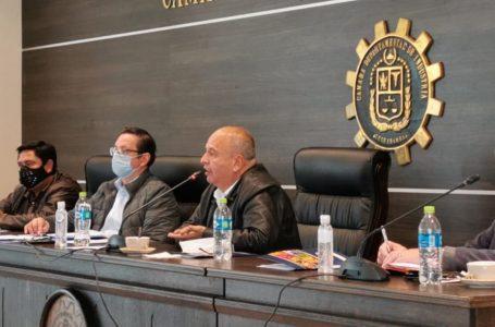 Gobierno y empresarios de Cochabamba intentan reactivar las industrias