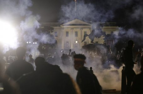 Trump se refugia en el búnker de la Casa Blanca; EEUU vive ola de disturbios raciales