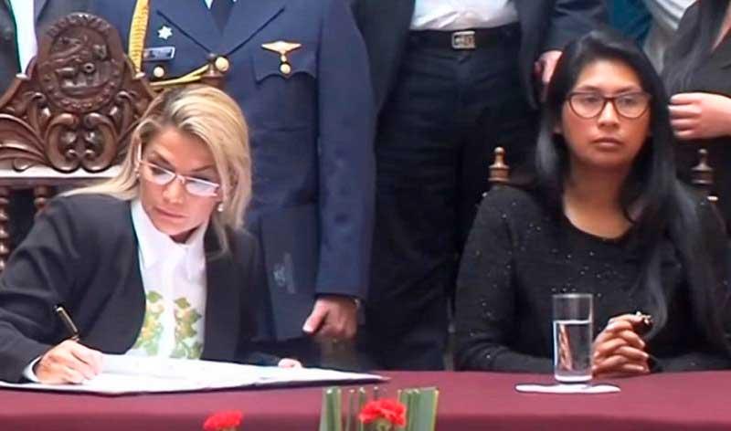 Presidente cuestiona a Eva Copa por fecha de comicios y le solicita estudio epidemiológico