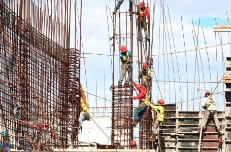 50% de las empresas de construcción reanudan actividades en México
