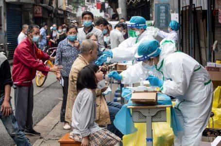 El ex jefe de la inteligencia británica aseguró que el coronavirus escapó de un laboratorio de Wuhan