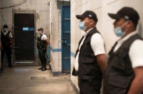 Guatemala libera a 140 reos anticipadamente por pandemia