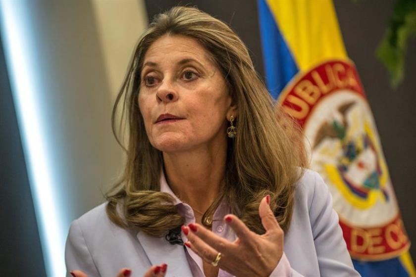 Vicepresidenta de Colombia retira denuncia por injuria contra periodista