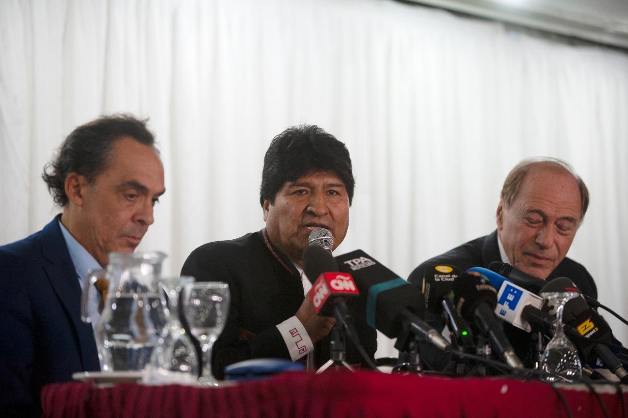 """Abogados de Evo dicen que la acusación fiscal es """"un disparate"""""""