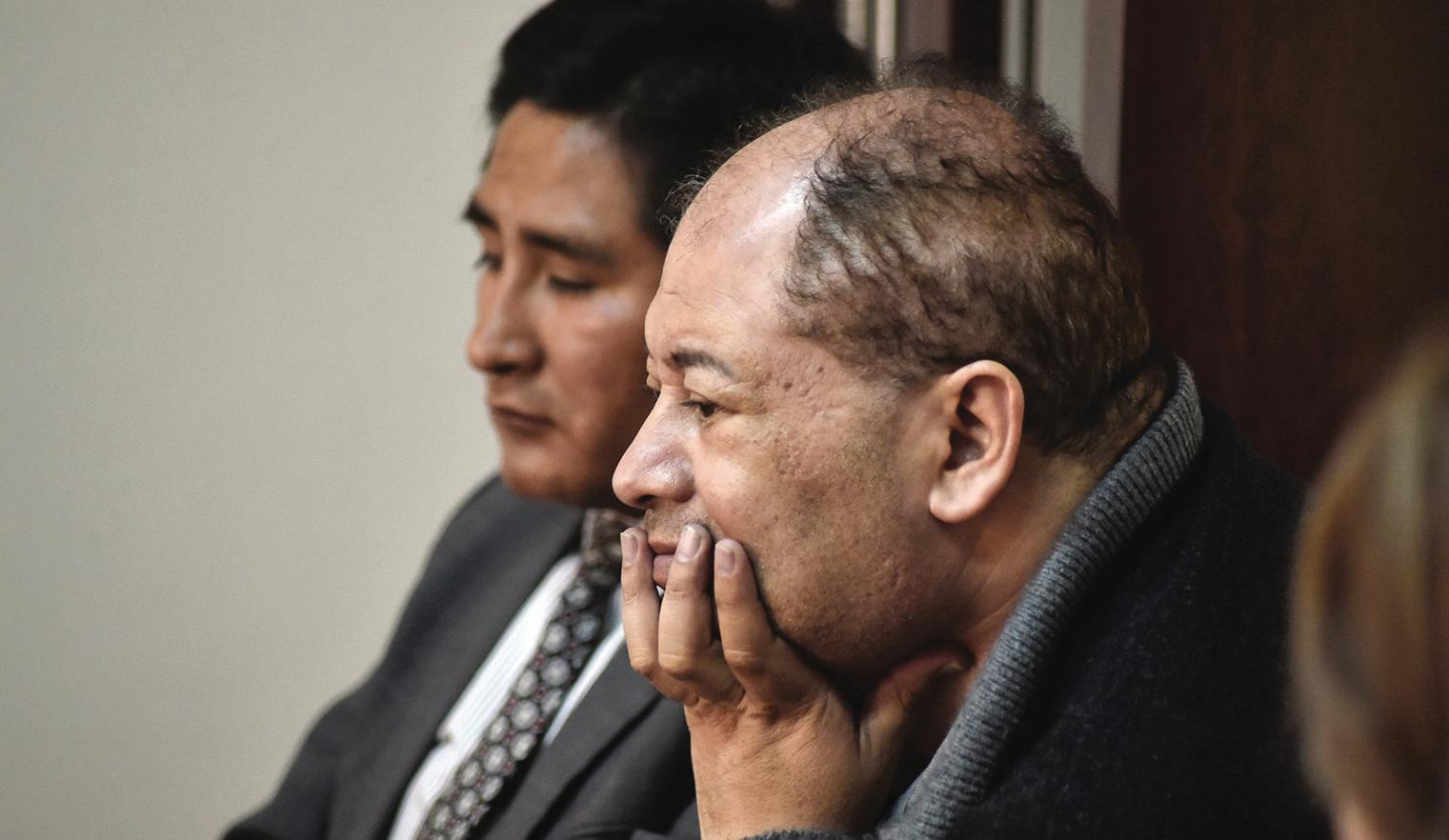 Carlos Romero presenta síntomas de coronavirus y juez autoriza su salida a un centro médico
