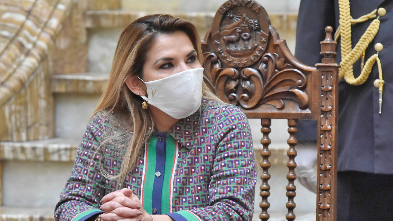 Presidenta afirma que Bolivia tiene la capacidad de procesar 2.500 pruebas diarias de COVID-19