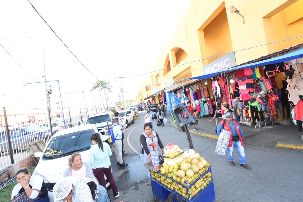 """Ante crecida de ambulantes en los mercados, Alcaldía alista un """"Plan de Guerra"""""""