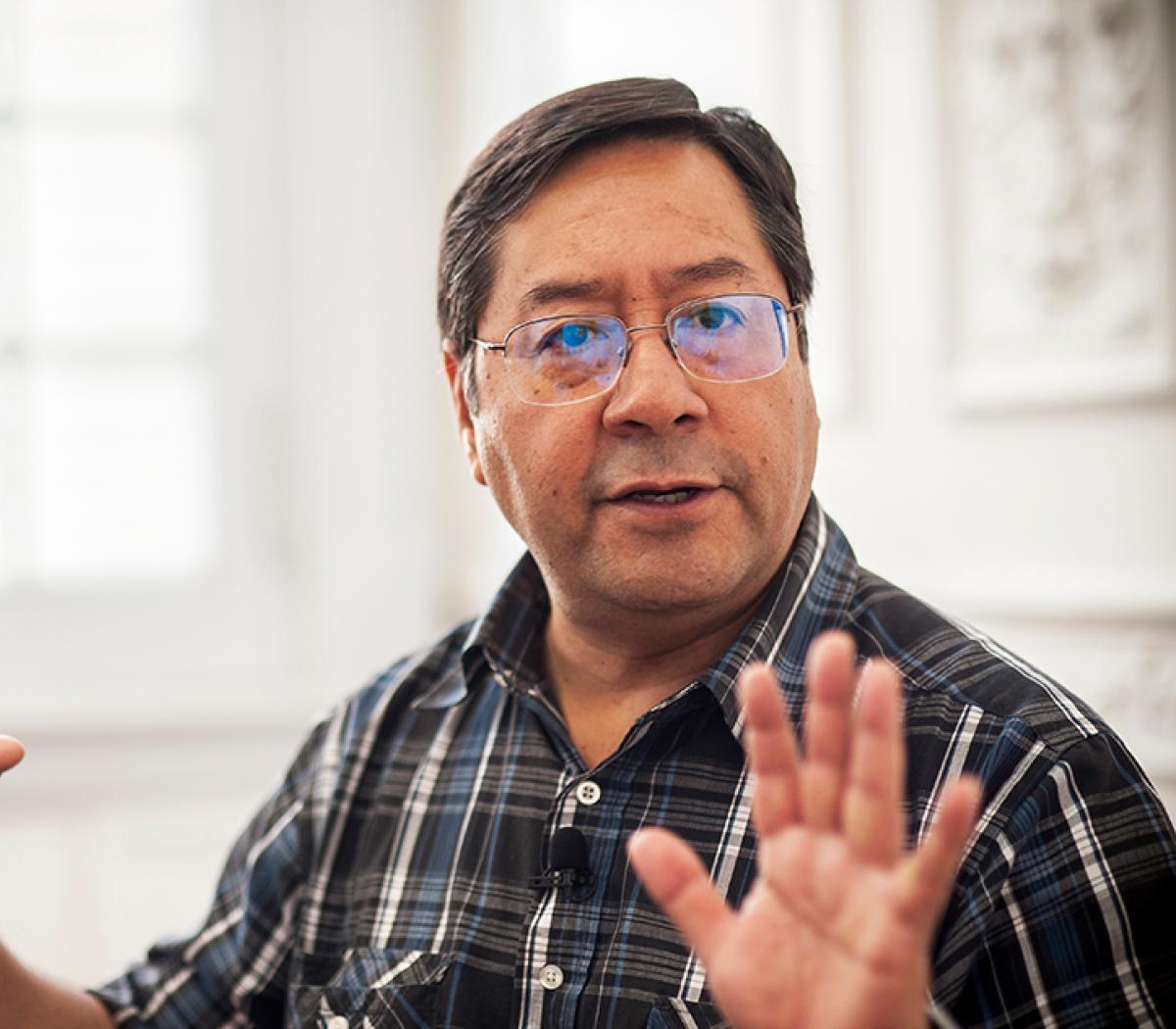 Arce dice que no confía en el TSE ni en la OEA