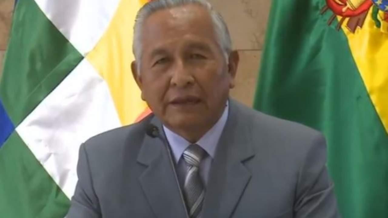 Cárdenas anuncia que no habrán reprobados este año.