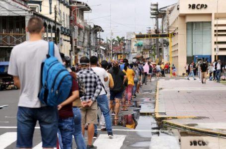 Peruanos retiraron USD 5.500 millones de fondos de pensiones por la pandemia