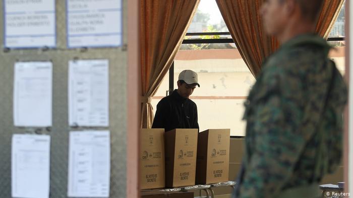 Ente electoral de Ecuador convoca a elecciones para el 7 de febrero