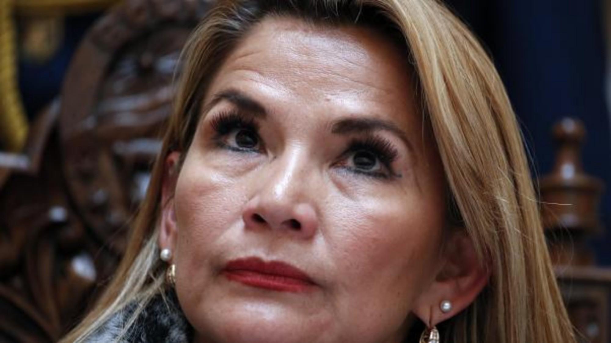 Tras la renuncia de Añez, candidatos se pronuncian