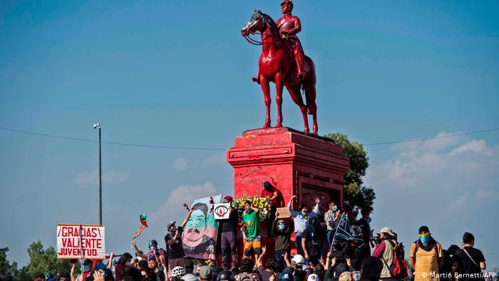 Chile: marcha masiva a días del aniversario del estallido social