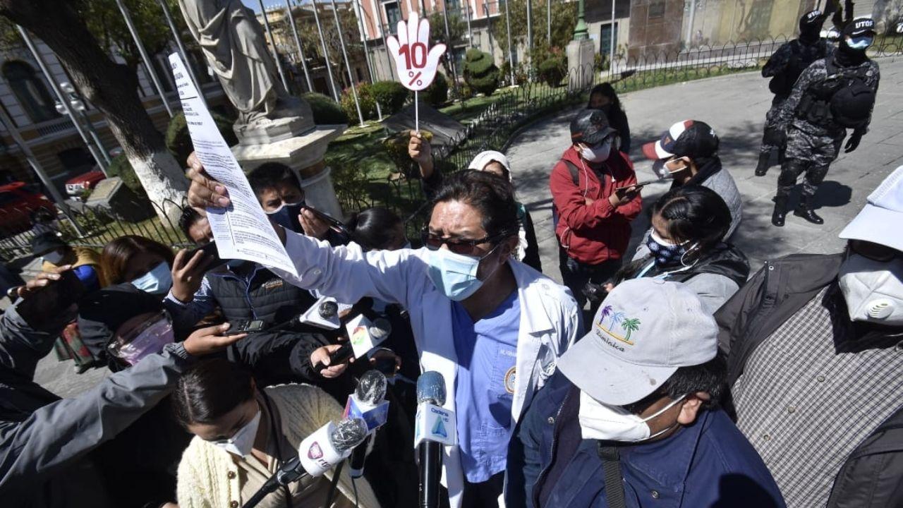 SIRMES advierte que no permitirán el retorno de los médicos cubanos