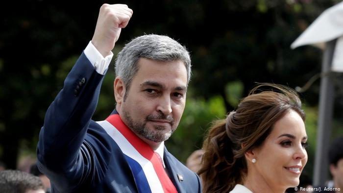 Paraguay: Mario Abdo Benítez en cuarentena preventiva por COVID-19