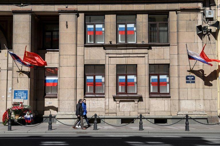Rusia condenó a un estudiante a seis años de prisión por romper la ventana de la sede del partido de Putin