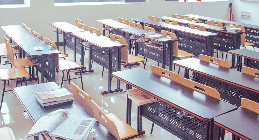 Educación propone que directores definan la modalidad en cada colegio