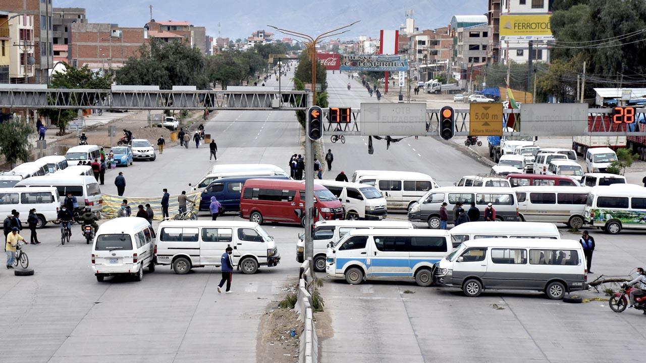 Suspenden paro nacional de transporte y dirigentes buscan diálogo con Arce Catacora