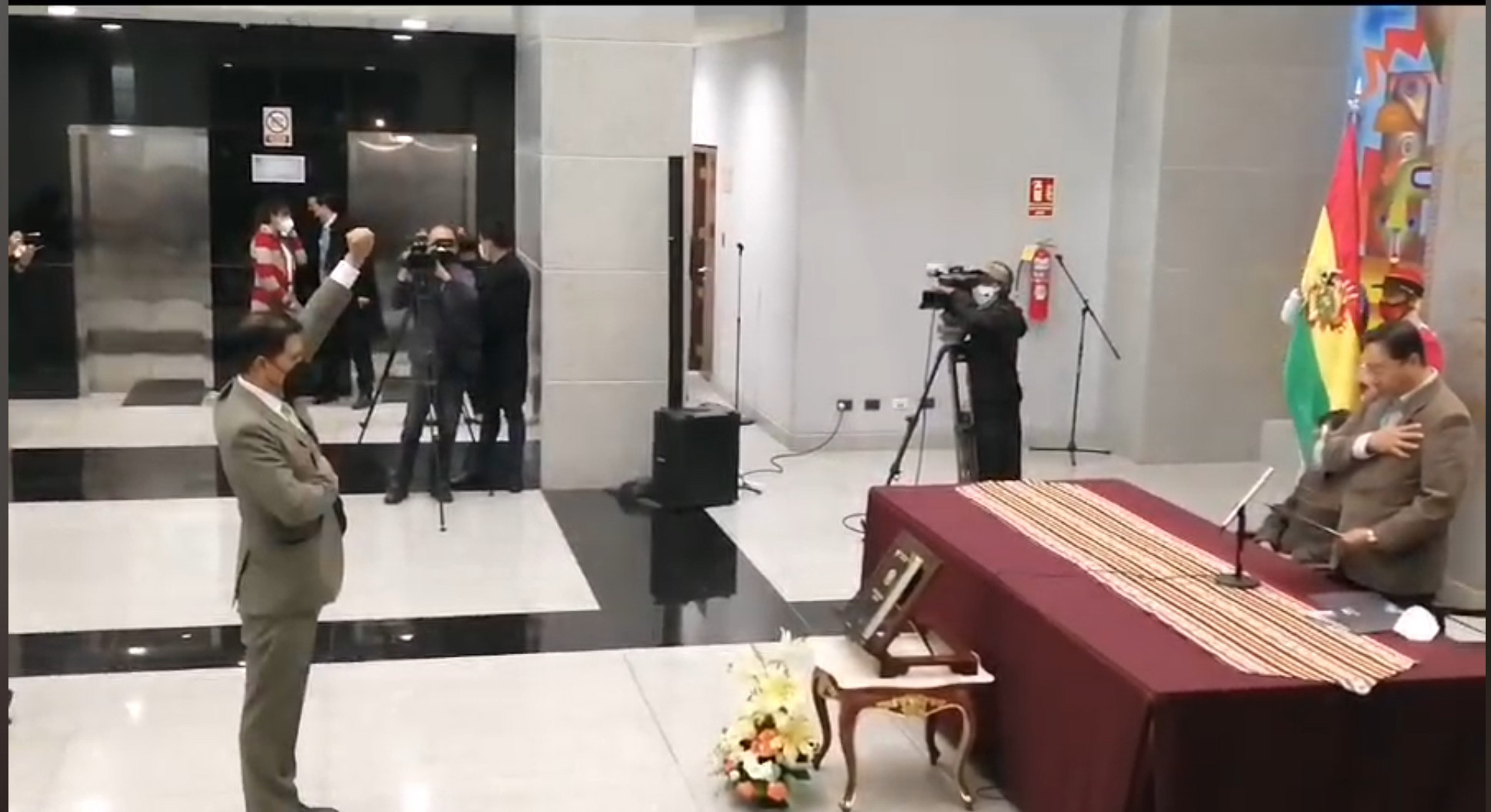 Arce posesiona a Jeyson Marco Auza Pinto como nuevo ministro de Salud