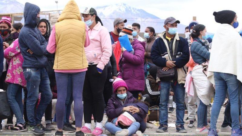"""La crisis """"sin precedentes"""" de la pequeña Colchane, el pueblecito chileno que tiene más migrantes que habitantes"""