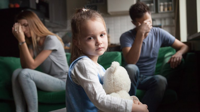Según un estudio, los padres de hijas mujeres tienen más probabilidades de divorciarse