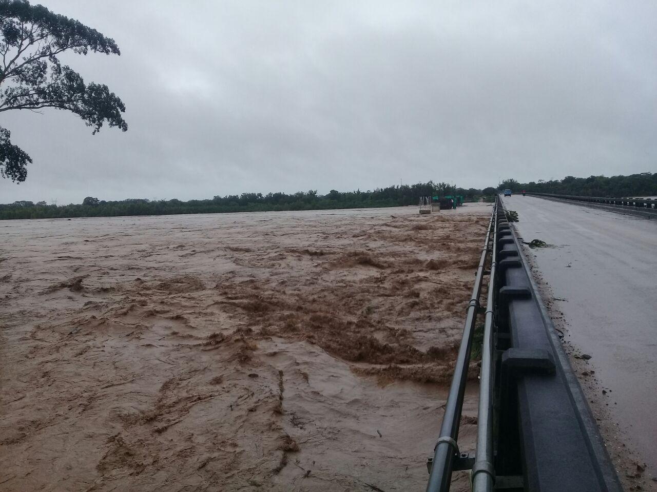 Gobernación aguarda que bajen las aguas para enviar ayuda a familias afectadas por las lluvias