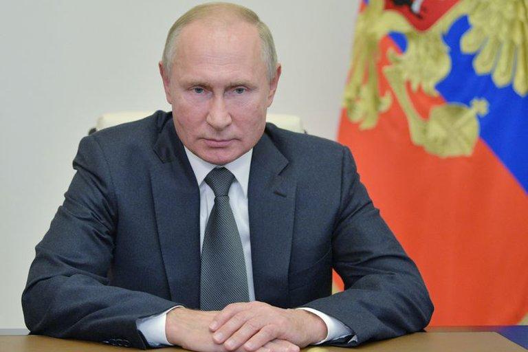 """Vladimir Putin le contestó a Joe Biden, que lo llamó asesino: """"El que lo dice lo es; mantente sano"""""""