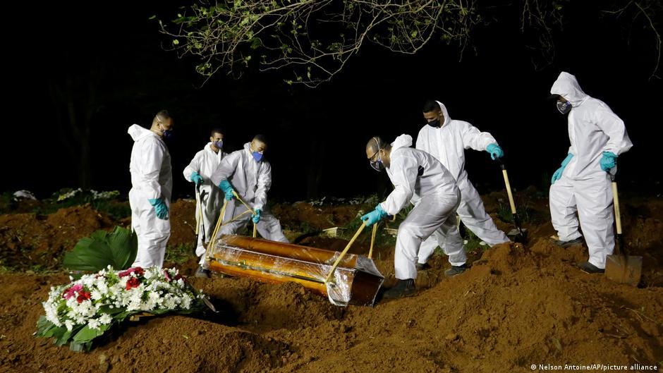 Pandemia se acelera en Brasil y deja 4.195 muertos en un día