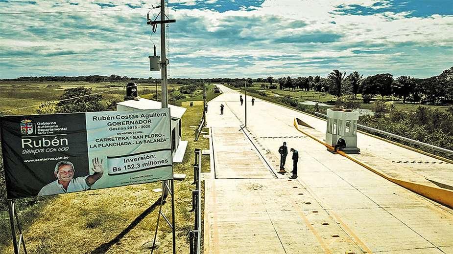 Invierten Bs 152,3 millones en carretera donde se produce hasta el 60% de la soya