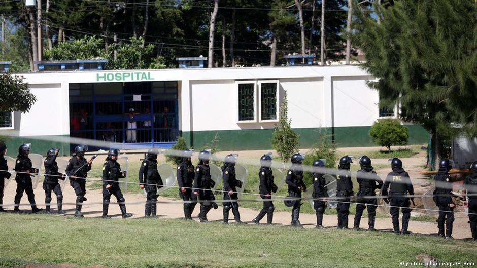 Motín carcelario deja siete reos decapitados en Guatemala