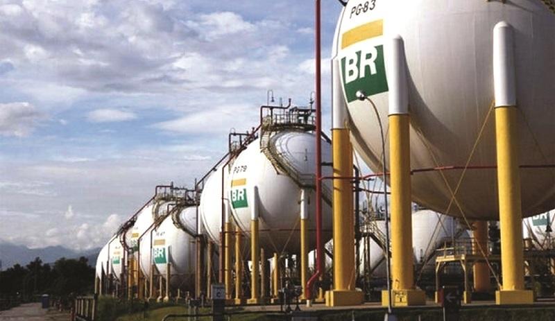 Expertos: Bolivia requerirá más carburante importado en 2024